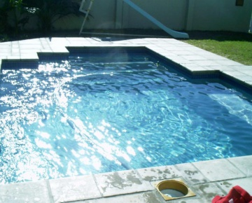 Cape Town Pools | Penguin Pools Maintain a Pool