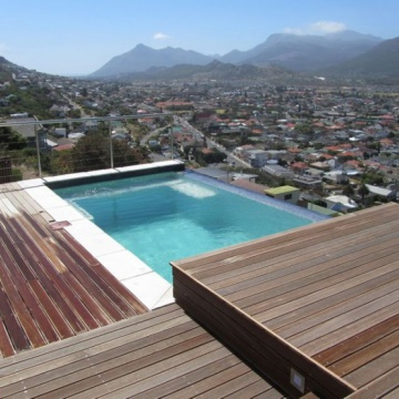 Cape Town. Radiant Pools gold NSPI award winning pool.