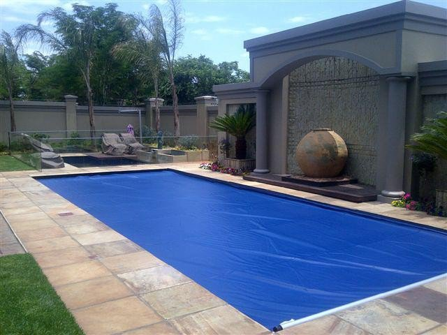 Designer Pool Covers: Automatic Vinyl Safety Pool Cover